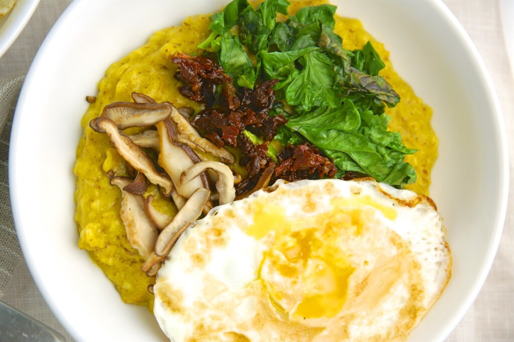 Oats with Egg and Spinach