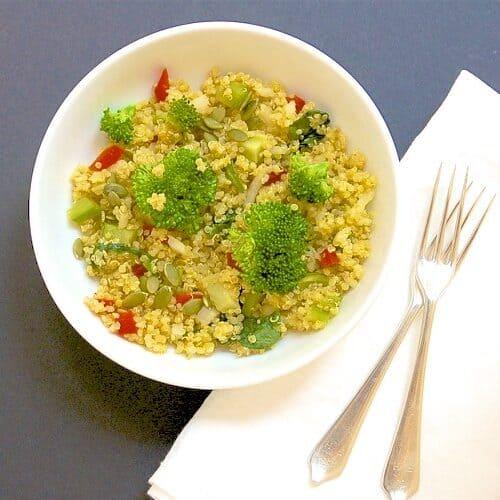 broccoli and spinach quinoa salad