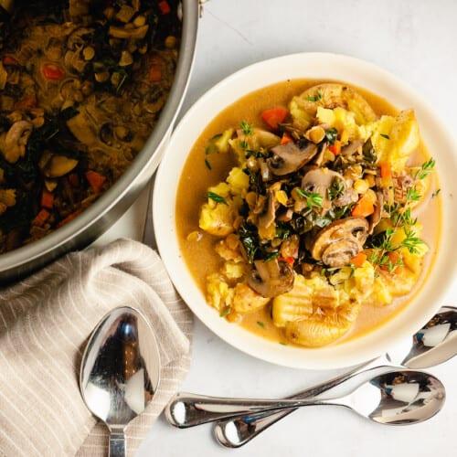 vegan mushroom stew with lentils